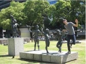 dancing statues